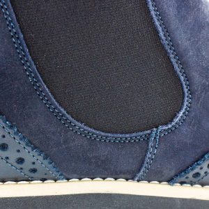klassischer Chesea Boot - dunkelblau - detail