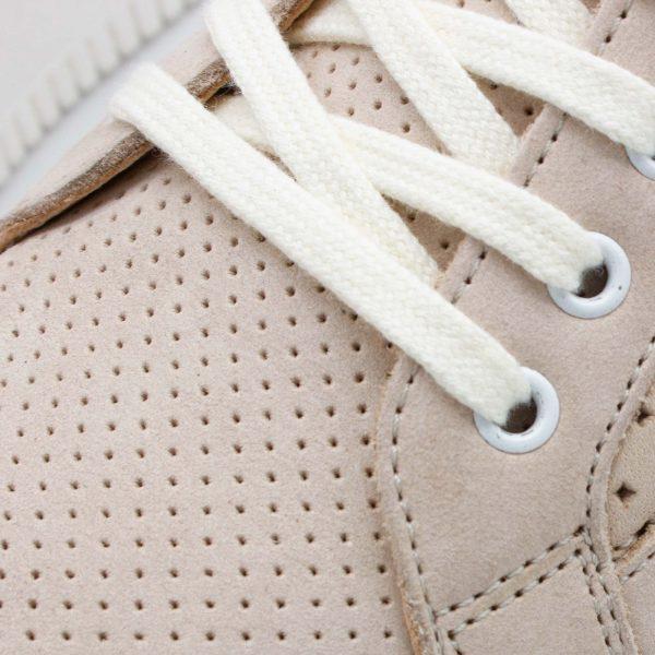 sommerlicher Ledersneaker - Amsel - sand - Detail Perforation