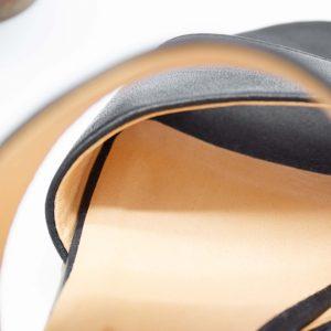 Pantoletten mit Absatz - Elfenschuh - schwarz - Detail Futter