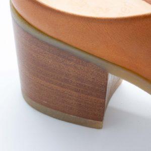 Pantoletten mit Absatz - Elfenschuh - cuoio - Detail Absatz