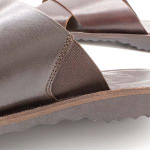 rustikale Herrenpantolette - Spitzwegerich - mokka - Detail Gummiband