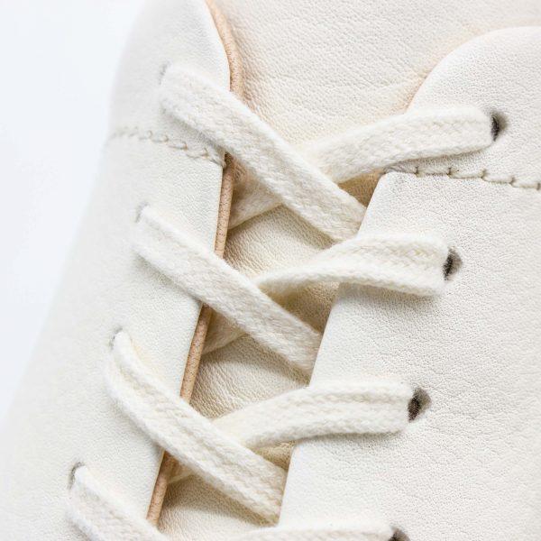 femininer Ledersneaker - Star - altrosa - Detail Schnürung