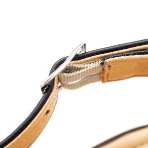 Sandale mit gekreuzten Riemen - Surfinia - schwarz -Detail Gummiband