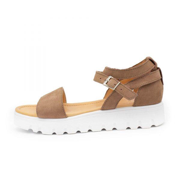 Sandale mit weißer Sohle